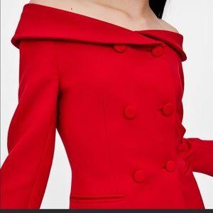 Zara double breasted of shoulder blazer